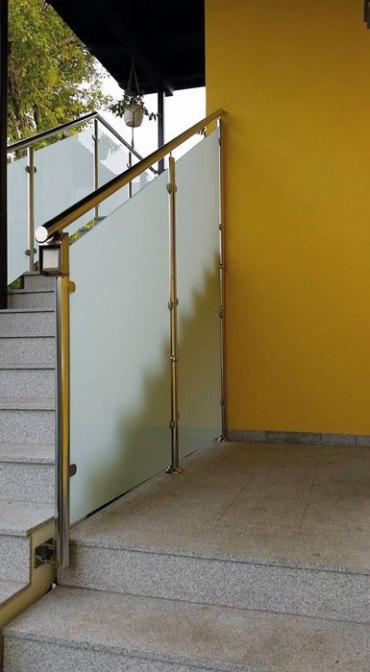 Treppengeländer mit Glaselementen