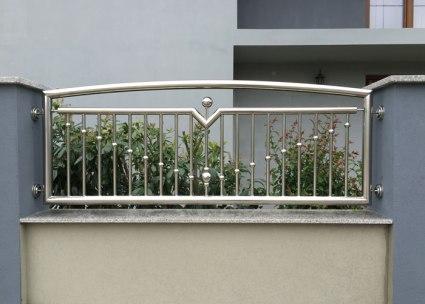Zaunelement aus Edelstahl